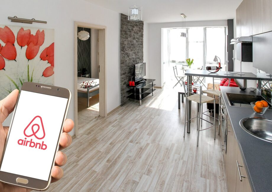 Airbnb & Co.: Frankfurt Recherchiert Im Netz Gegen Illegale Ferienwohnungen